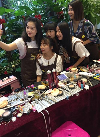 北京电视台化妆活动